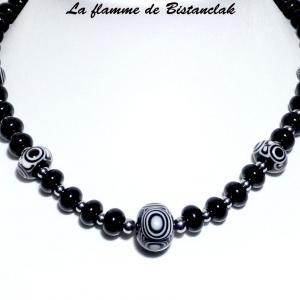 Collier perles de verre noires et blanches collection psyche