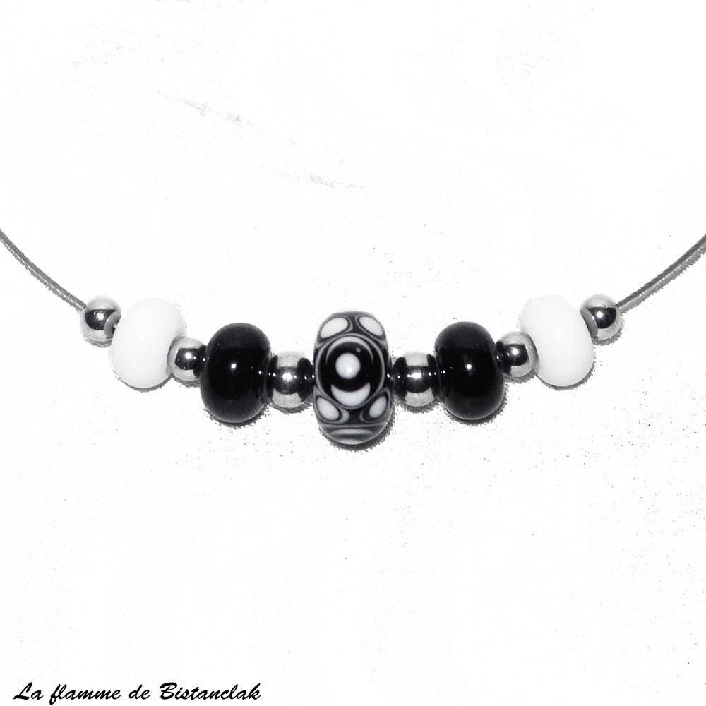 Collier perles de verre noires et blanches