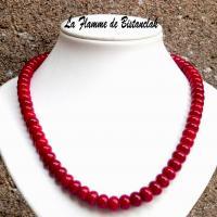 Collier perles de verre rouge opaque vendu en ligne sur notre site un bijou artisanal fabrique en france