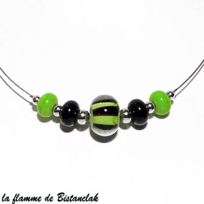 Collier perles de verre vert pomme et noir collection rayure