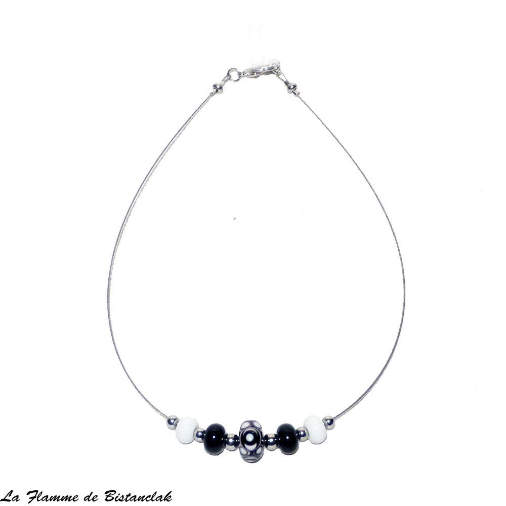 Collier ras du cou perle de verre noire et blanche 1