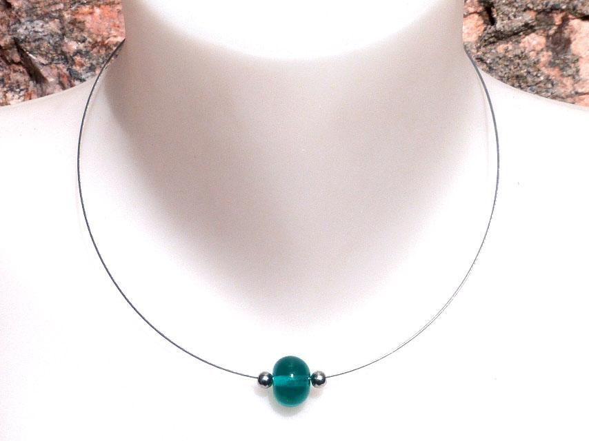 Collier sobre perle de verre file bleu canard