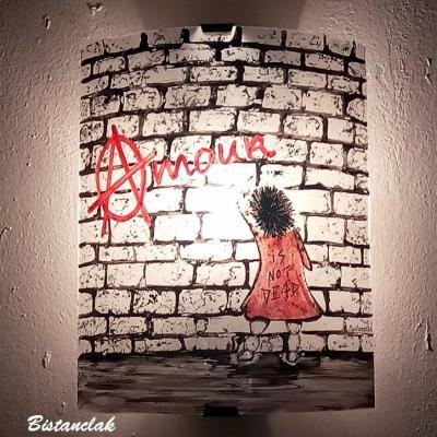 applique murale graffiti amour is not dead