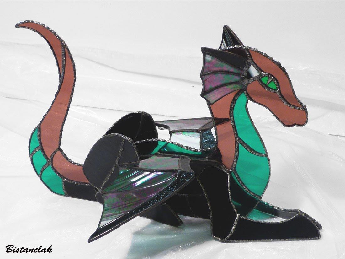 Dragon vitrail tiffany de couleur rose vert et iridescent 12