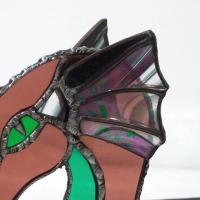 Dragon vitrail tiffany de couleur rose vert et iridescent 5