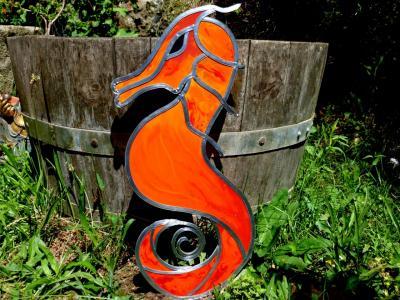 vitrail déco hippocampe rouge orange