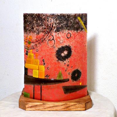 lampe rouge et multicolore inspirée de Kandinsky