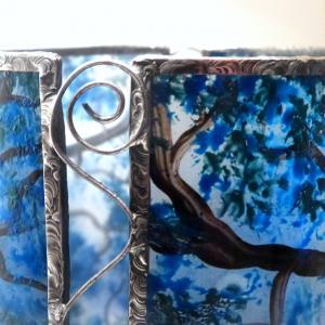 Lampe a poser artisanale cylindrique bleu motif arbre danseuse 6
