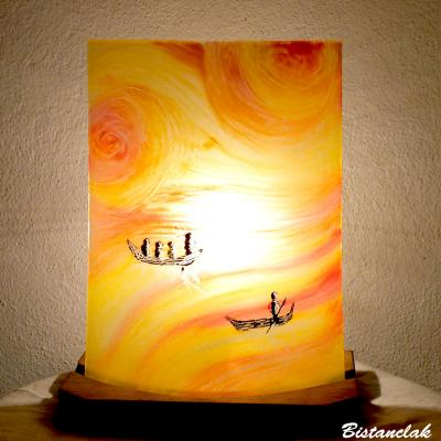 Lampe jaune, orange et rouge motif Entre ciel et mer