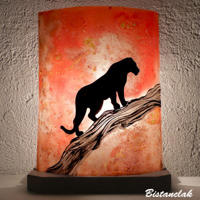 Lampe décorative à poser orange motif Panthère sur un arbre