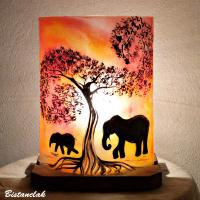 Lampe décorative orange rouge motif éléphants