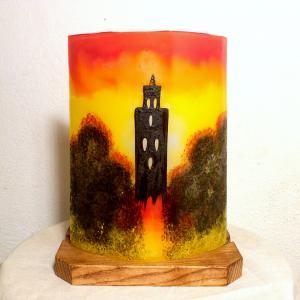 Lampe d'ambiance artisanale jaune orange rouge motif temple