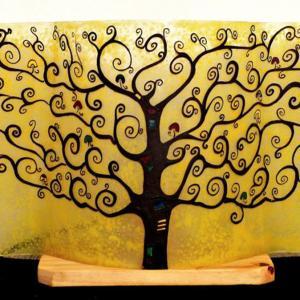 Luminaire jaune au dessin de l'arbre de vie
