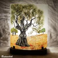 Lampe artisanale au dessin d un olivier
