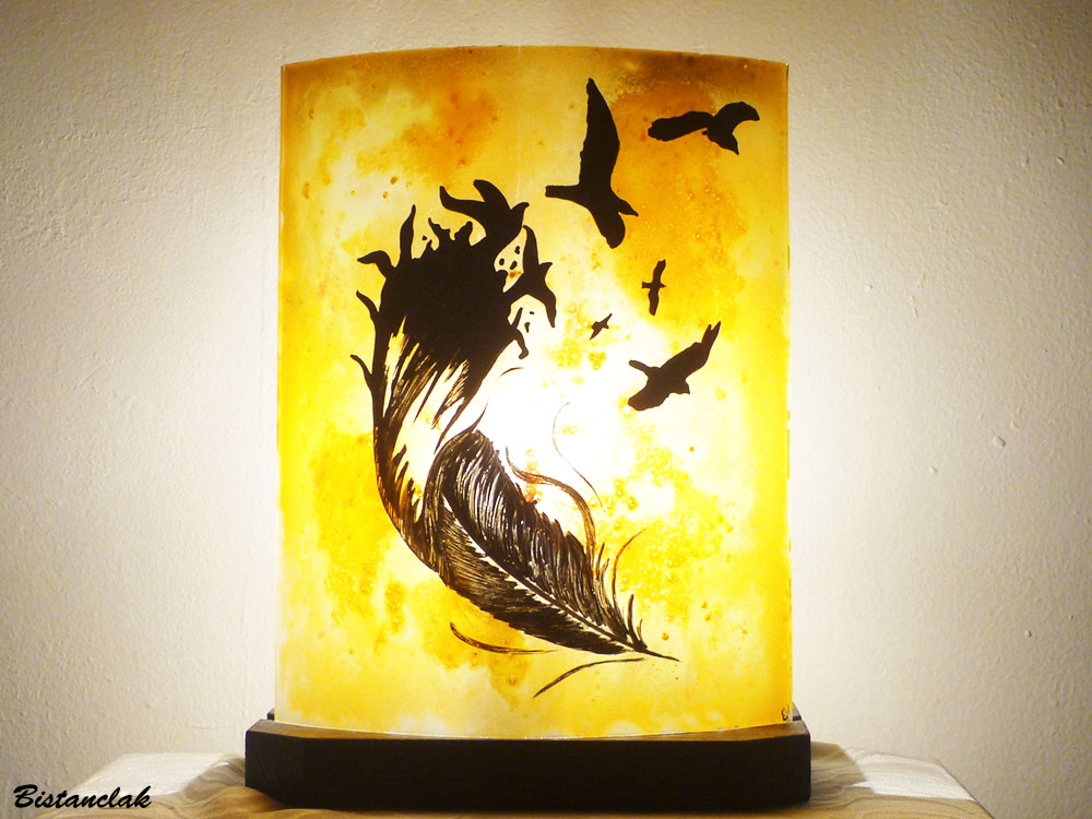 Lampe artisanale jaune orange motif de la plume a l oiseau