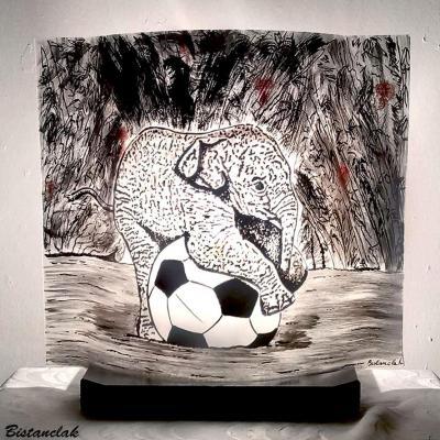 Lampe motif éléphant sur un ballon
