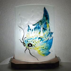 Lampe décorative en verre motif poisson carpe jaune et bleu