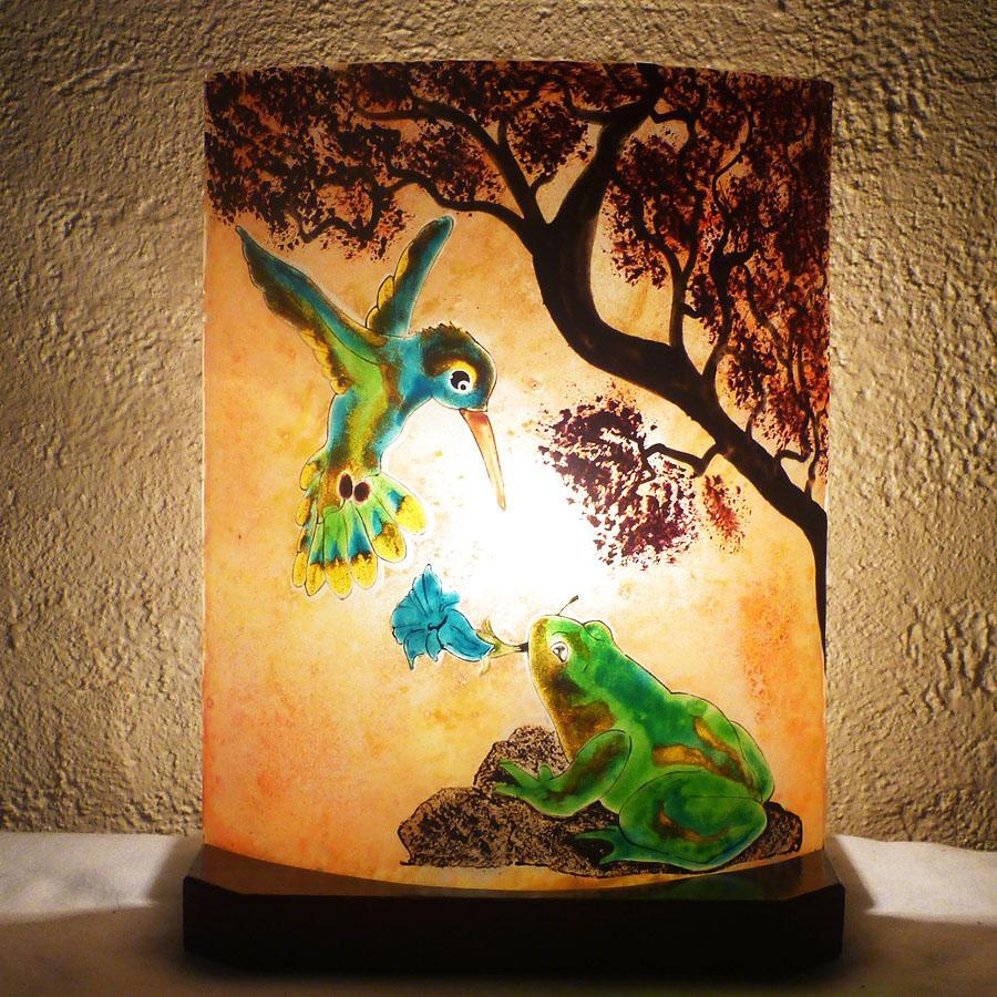 Lampe coloree sur mesure motif grenouille et colibri