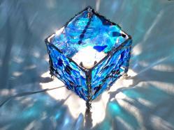 lampe cube en verre bleu turquoise