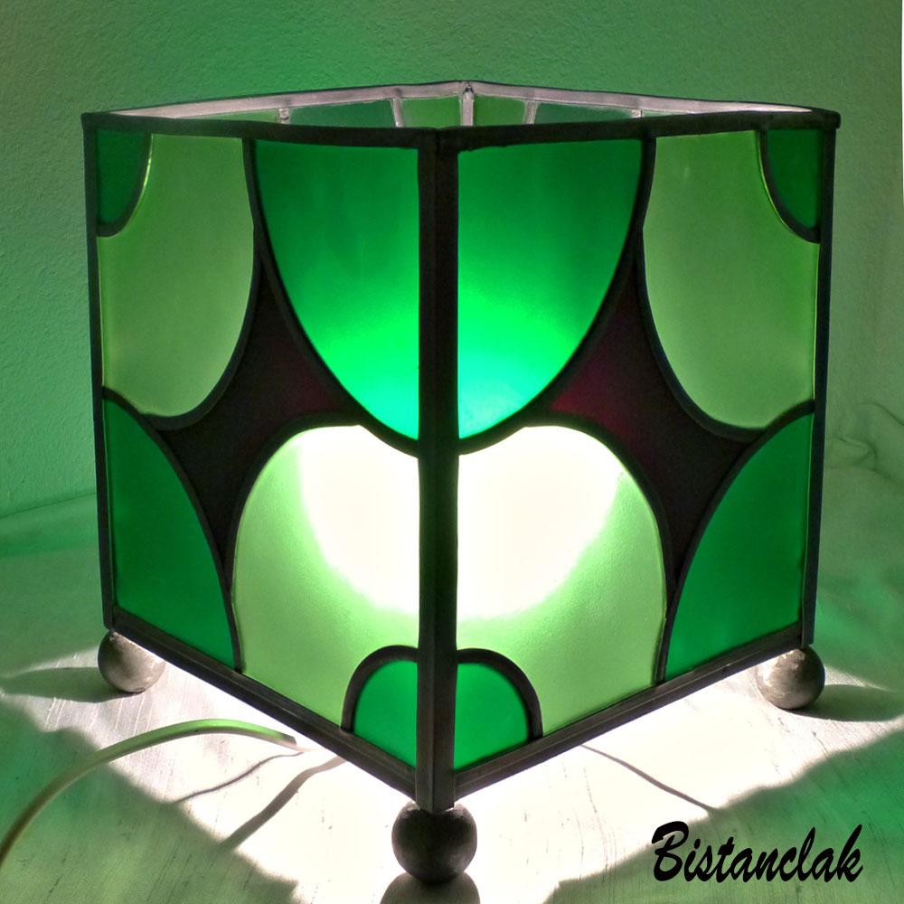 lampe vitrail cube verte