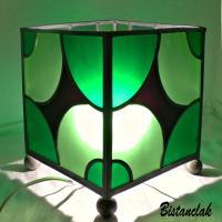 Luminaire vitrail carré vert motif courbe