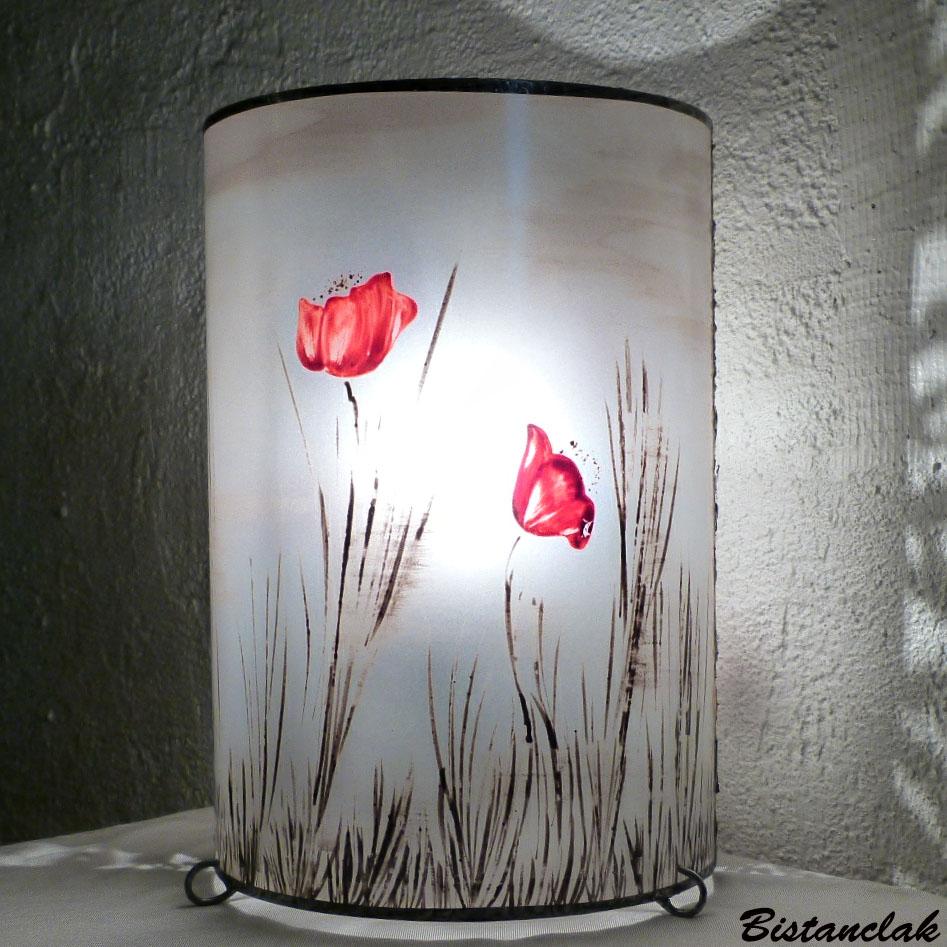 Lampe décorative simple motif coquelicots dans la brume; création artisanale française