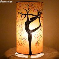 lampe décorative cylindrique sable orange motif arbre danseuse