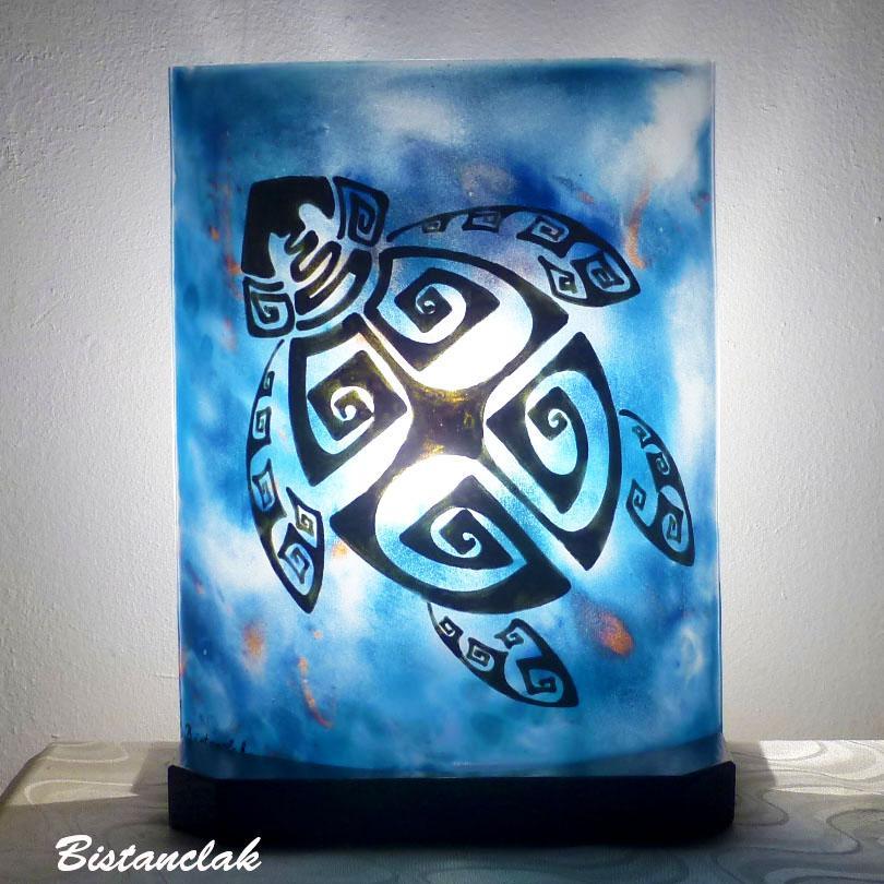 Lampe d ambiance artisanale bleu motif tortue 1