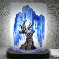Lampe décorative blanche motif saule pleureur bleu cobalt creation artisanale francaise
