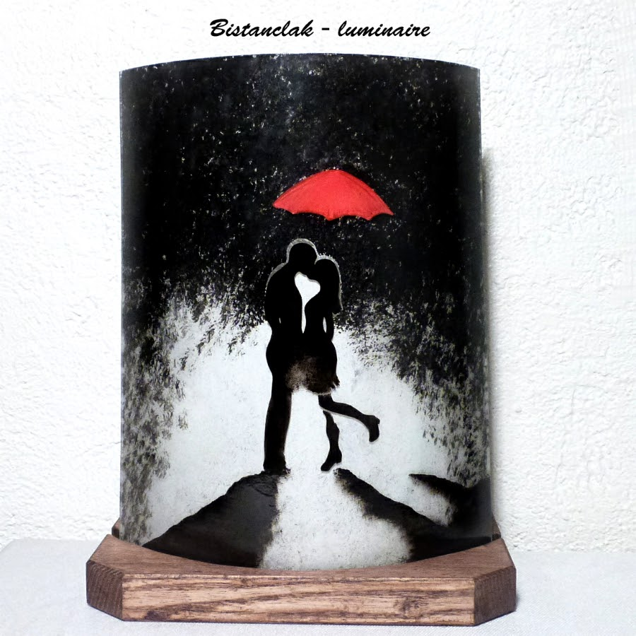 Lampe décorative motif un baiser sous la pluie