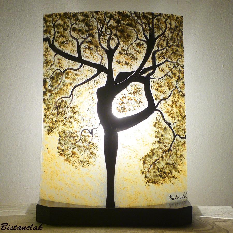 Lampe decorative couleur chaude et nature motif arbre danseuse une creation de bistanclak
