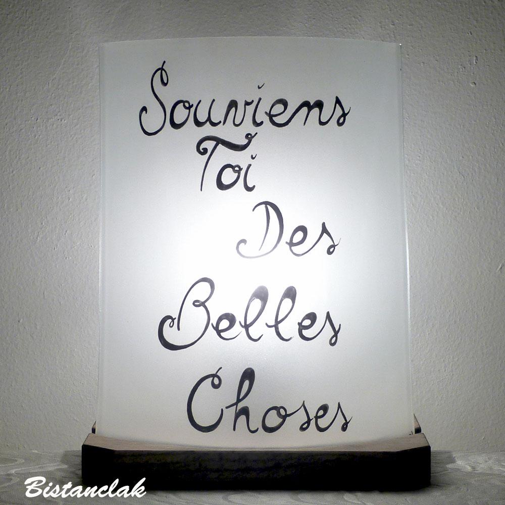 Lampe decoree du texte souviens toi des belles choses vendue en ligne