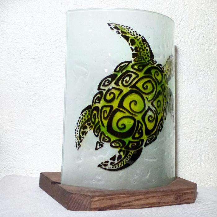 Lampe demi cylindre tortue spirale verte 3