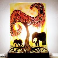 Lampe elephant jaune orange vendue en ligne 1