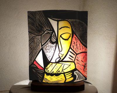 Lampe à poser motif abstrait La liseuse jaune et rouge