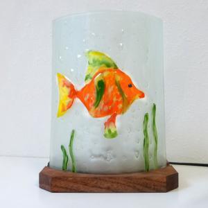 Lampe d'ambiance décorative motif poisson orange vendue en ligne; fabrication artisanale