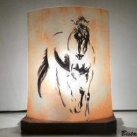 Lampe décorative en verre sable orangé motif le cheval de De Vinci; création artisanale française par Bistanclak