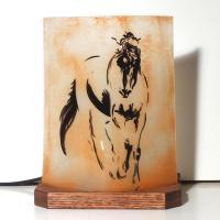 Lampe décorative sable orangé motif le cheval de De Vinci