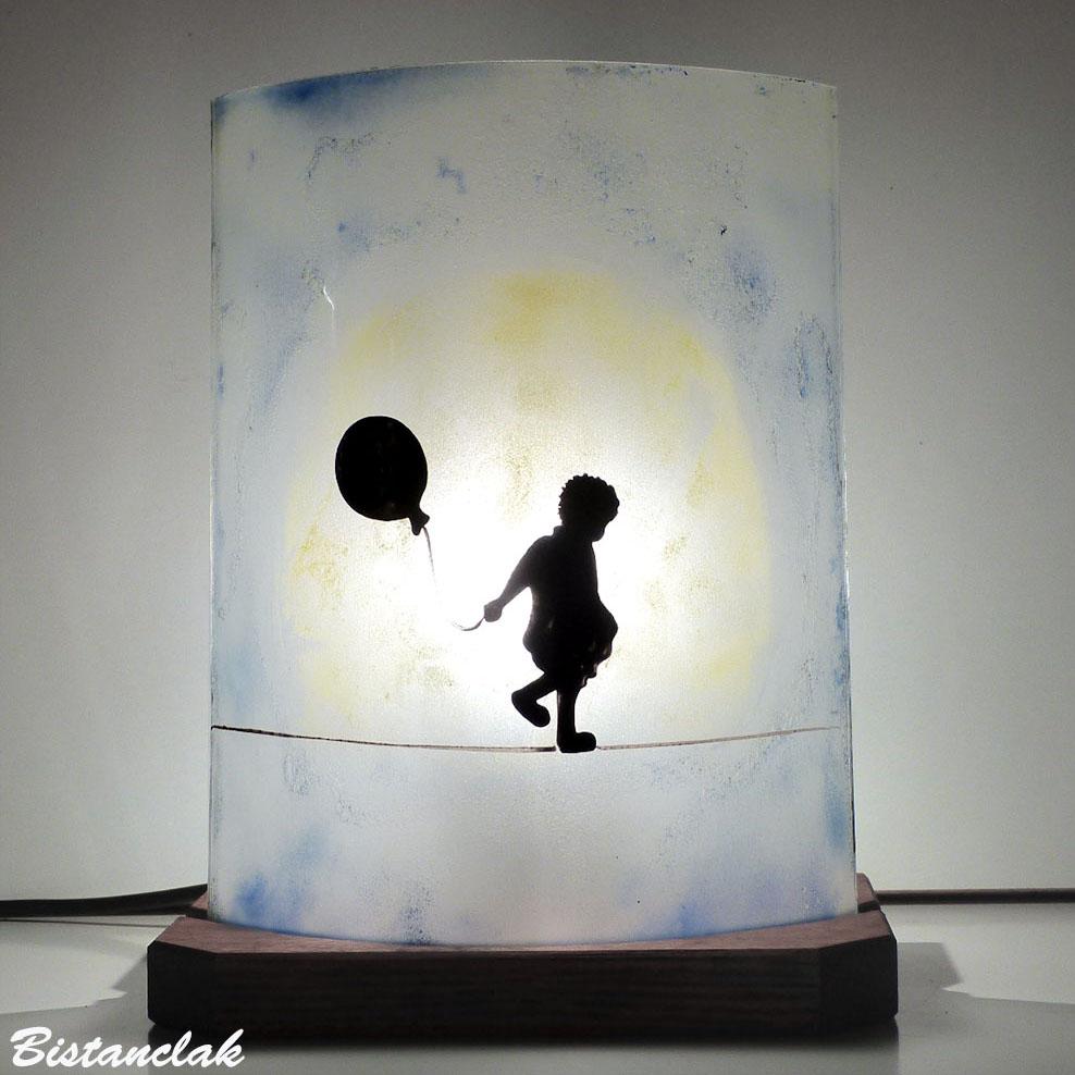 Lampe motif la petite fille au ballon et la lune design street art