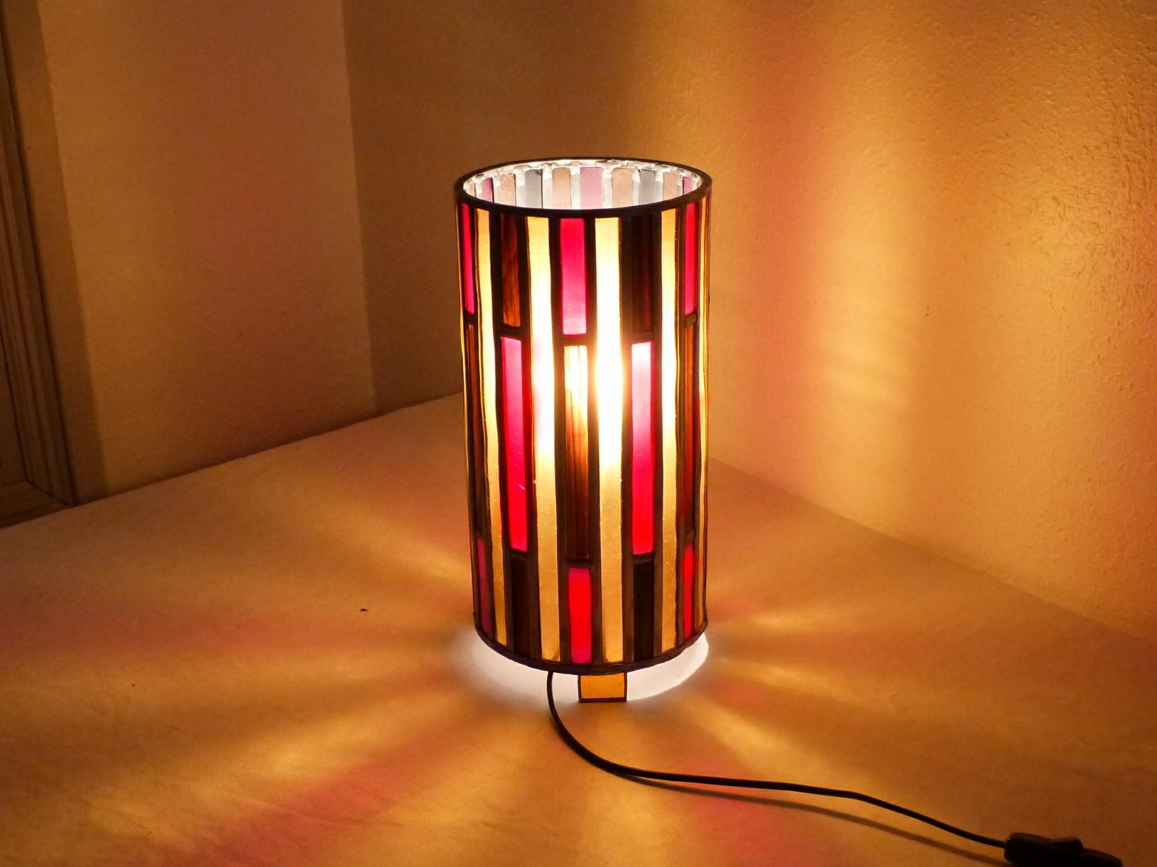 Lampe vitrail cylindre ambre et rouge 3
