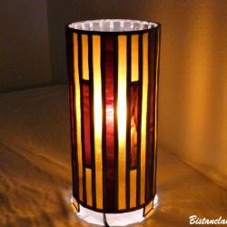 lampe vitrail cylindrique ambre, rouge foncé et ambre