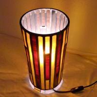 Lampe vitrail cylindrique ambre et rouge1