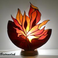 luminaire vitrail tiffany en forme de feuille d'automne rouge orangé