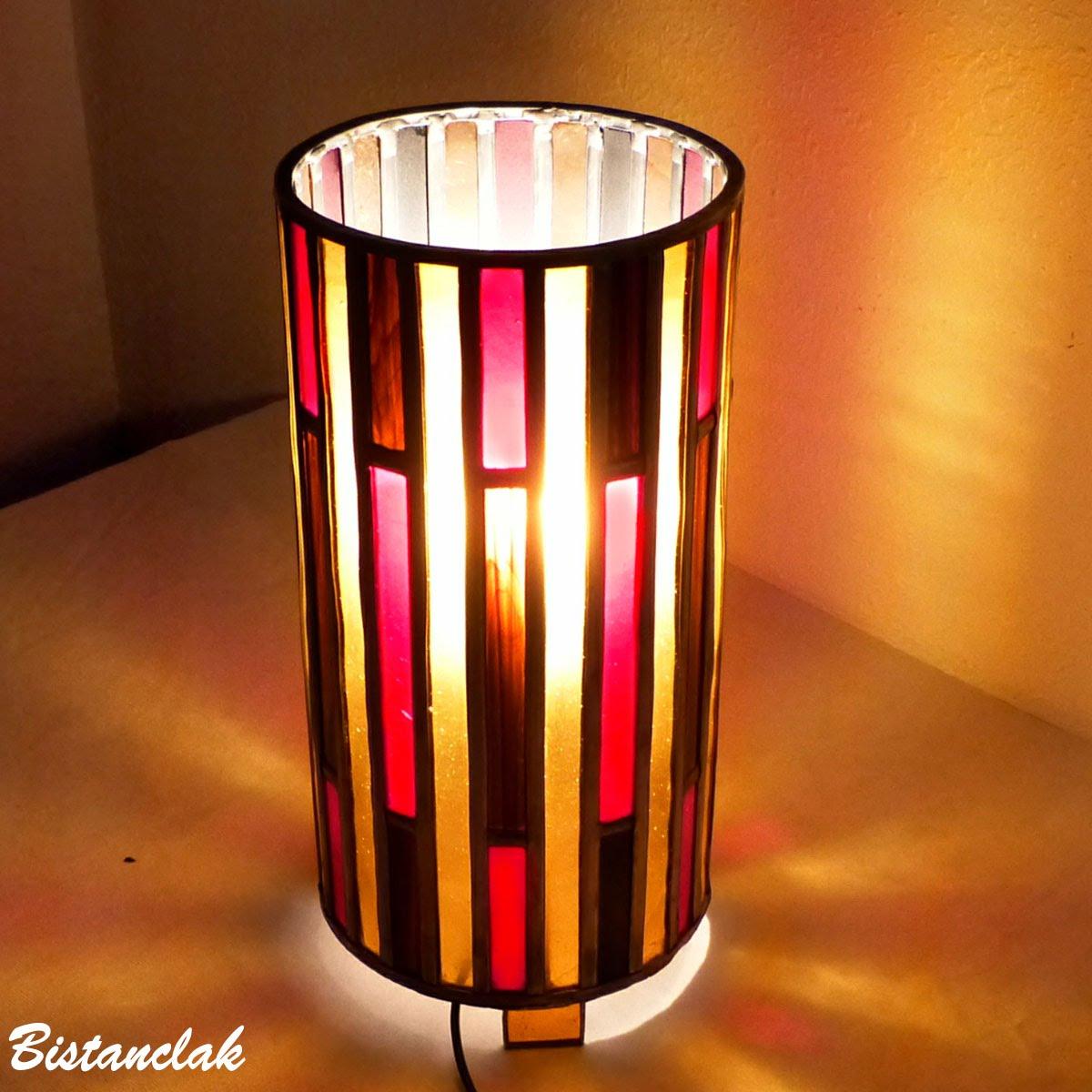 Lampe vitrail cylindrique brun, rouge et ambre