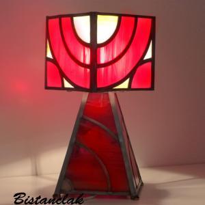Lampe vitrail rouge et ambre design géométrique arcs de cercle