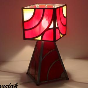 Lampe vitrail rouge et ambre moderne