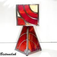 Lampe vitrail rouge et ambre design en arc de cercle