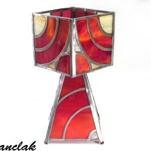Lampe vitrail rouge et ambre jaune design géométrique