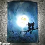 Luminaire applique decorative bleu au dessin de chats sous la lune une creation artisanale francaise par bistanclak