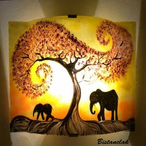 Luminaire applique artisanale jaune orange motif la marche de elephants sous l arbre rouge 3